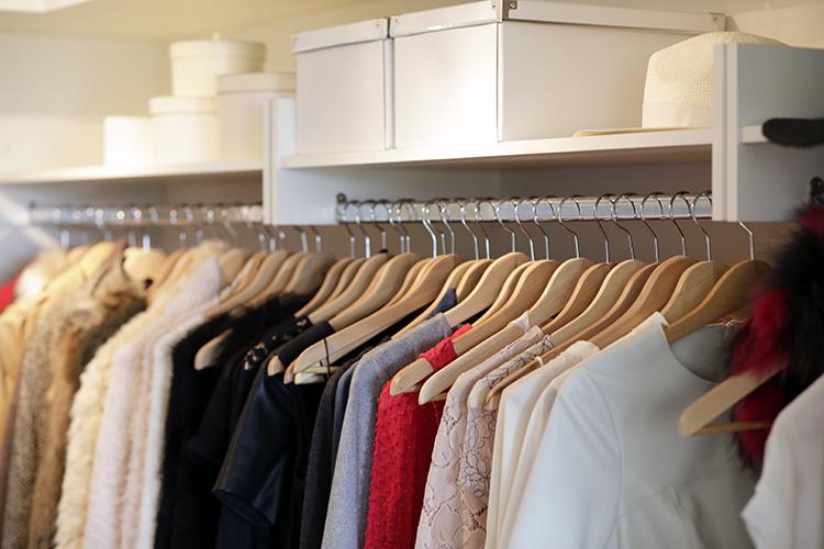 Ako urobiť poriadok v šatníku