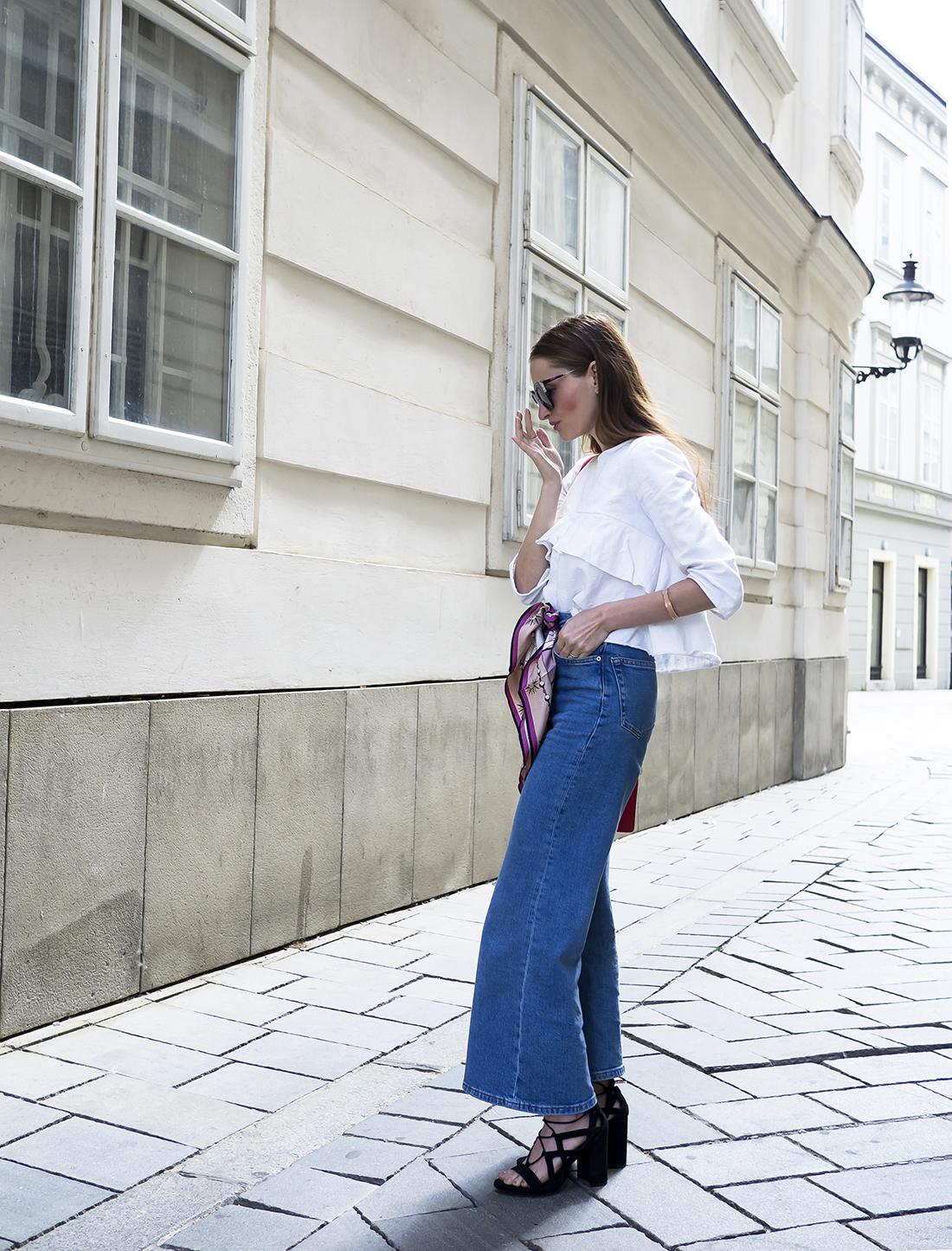 Ako nosiť hodvábnu šatku na 4 spôsoby