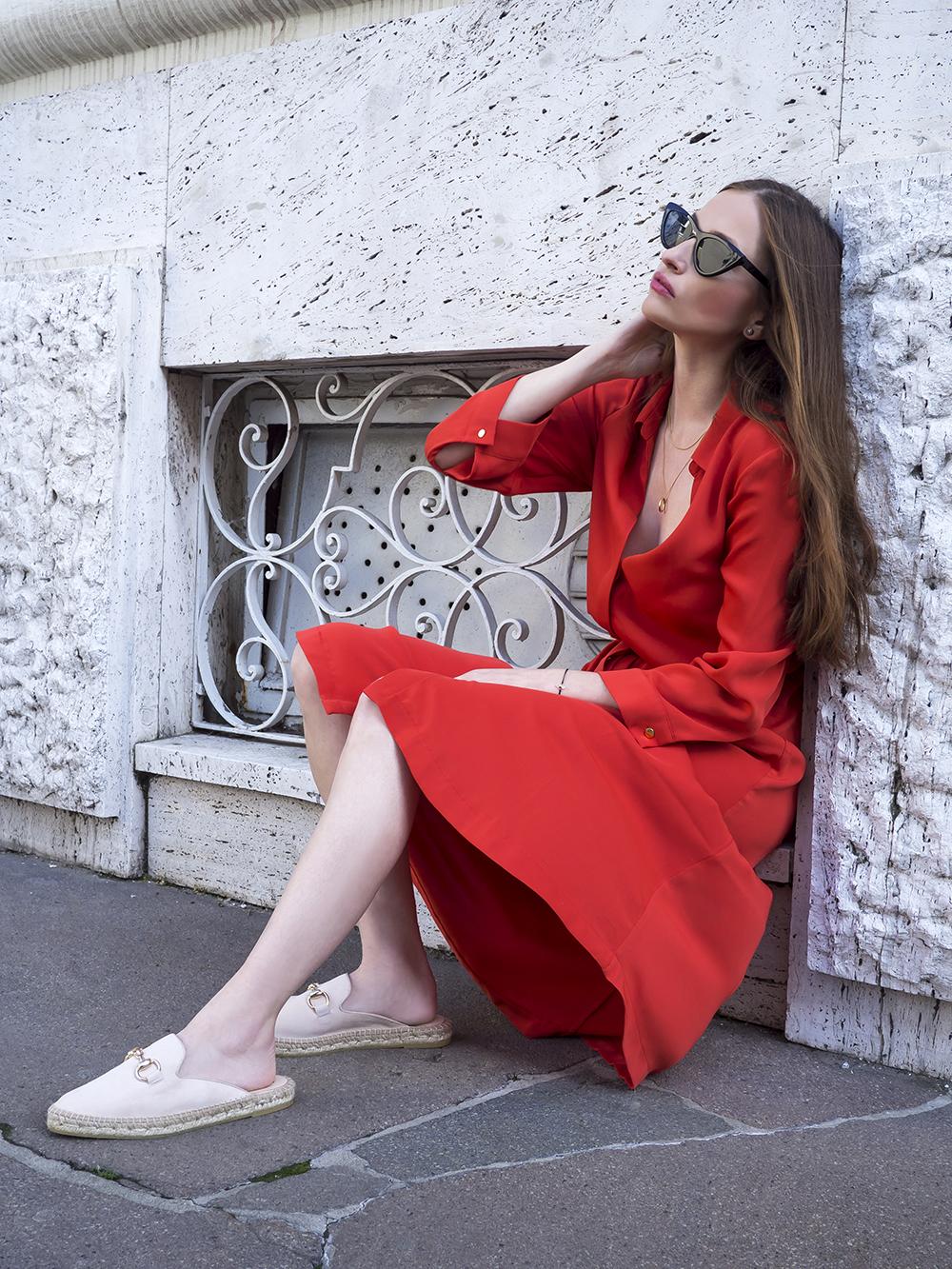 Psychológia farieb - čo znamená červená farba v obliekaní