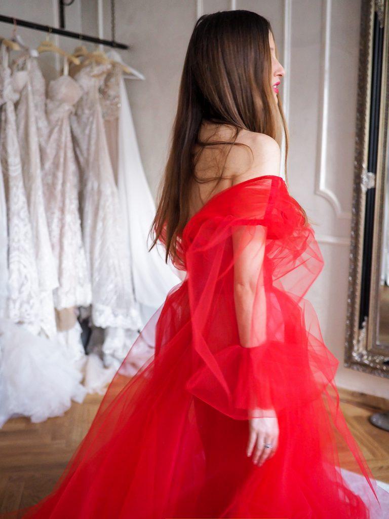 Ako sa obliecť na ples - červené šaty
